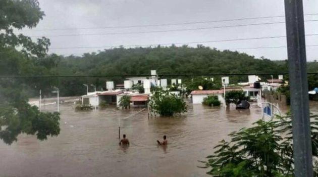 """Alerta máxima por el huracán """"Lorena"""" (México)"""