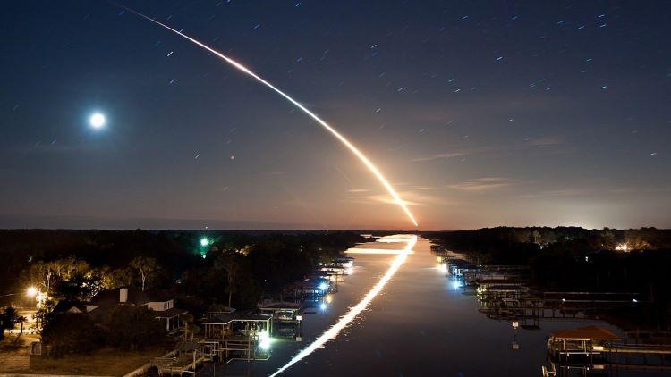 La NASA detecta enjambre de rocas hacia La Tierra
