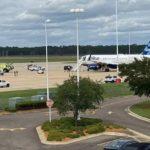 Alerta de incendio en la bodega de carga del avión fuerza aterrizaje de emergencias en Jacksonville (Estados Unidos)
