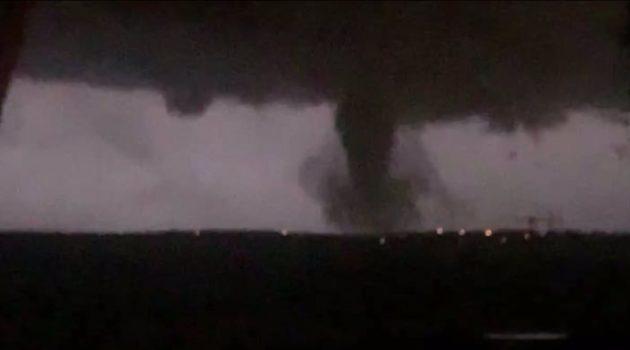 Destructivo tornado atraviesa Dallas causando daños importantes (Estados Unidos)