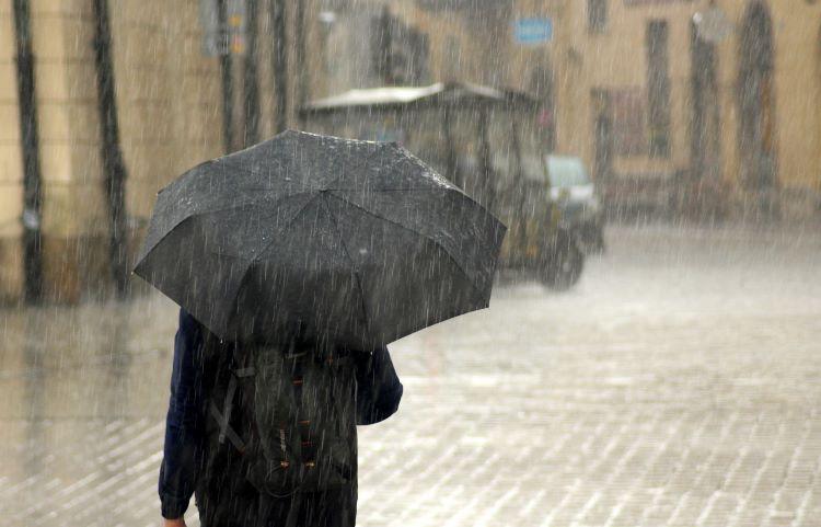 Alerta por lluvias fuertes, vientos y mal estado de la mar en el área Mediterránea (España)