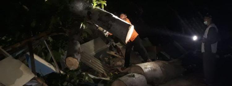Daños por tornado en Cymenyan